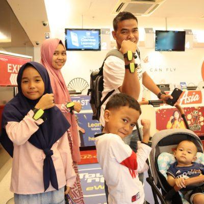 Tour 3 hari malaysia keluarga pak azuardi