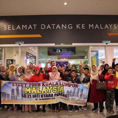Guru2 SD 21 padang tour malaysia 3 hari